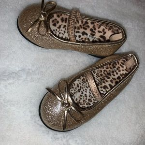 Baby girl Gold Sparkle shoes size 3 NWOT